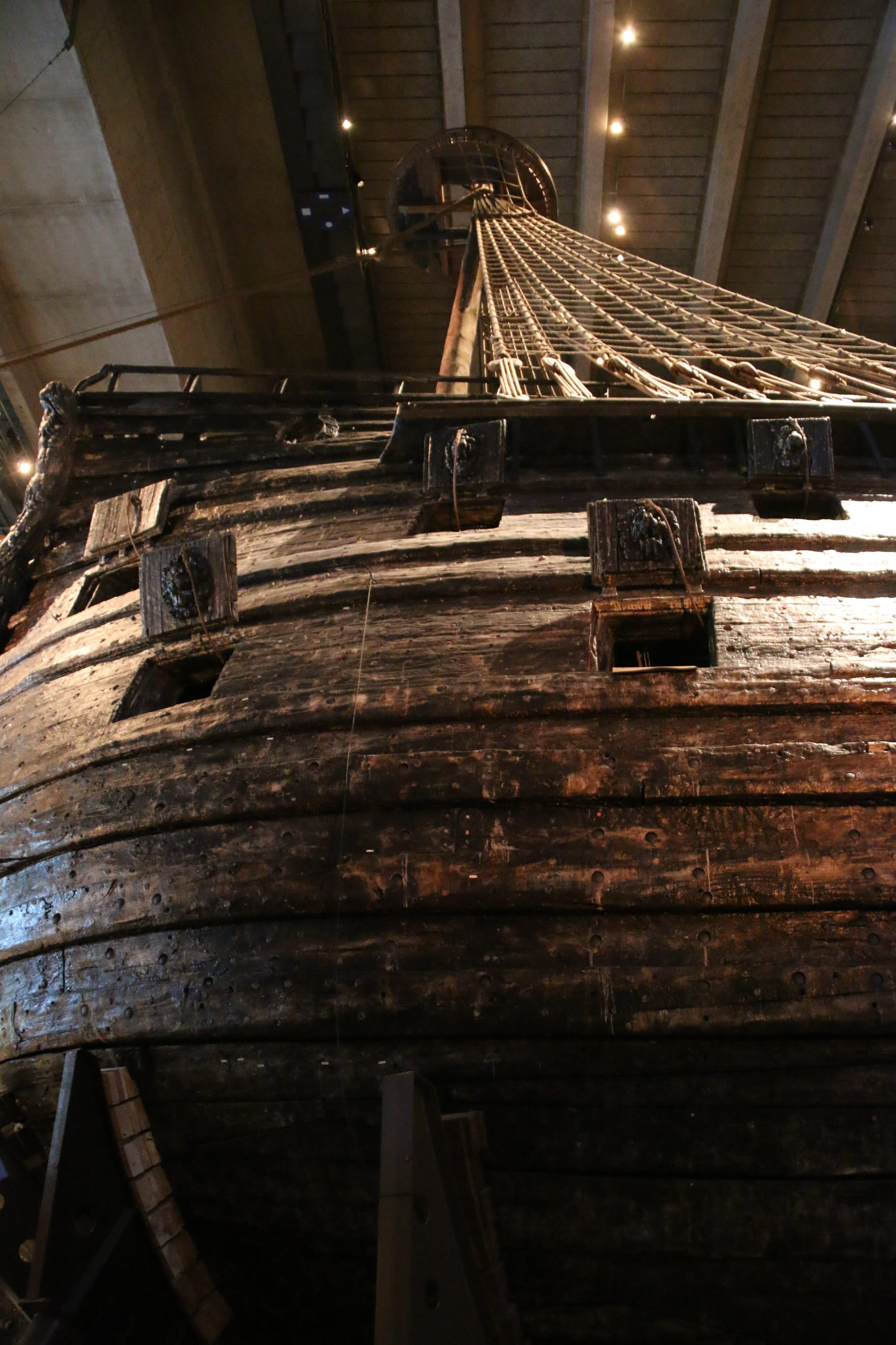 why did the vasa capsize The vasa capsizes  the realm raised questions immediately: why did it happen  there was a considerable risk that she would capsize boatswain matsson a .